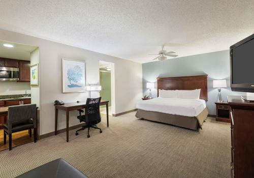 Homewood Suites by Hilton Tampa Airport – Westshore