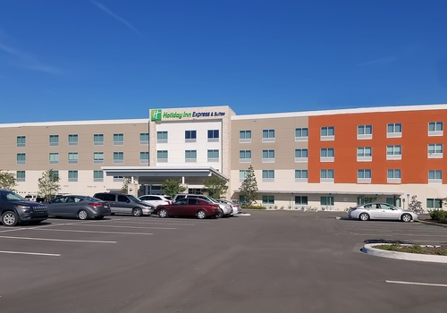 Holiday Inn Express & Suites Tampa East – Ybor City