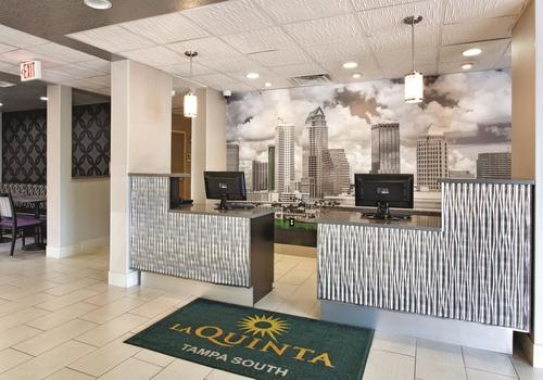 La Quinta Inn & Suites by Wyndham Tampa Bay Area-Tampa South