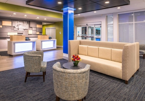 Holiday Inn Express & Suites Tampa North – Wesley Chapel